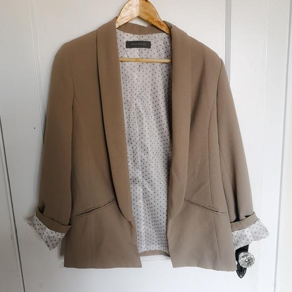 Suzy Shier Jackets & Blazers - 🎉 4 for 25 🎉 Suzy Shier blazer